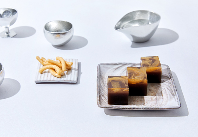 世田谷 升本屋の「かりんとう」に、佐藤屋の「乃し梅」をお酒のおつまみにしてはいかが?