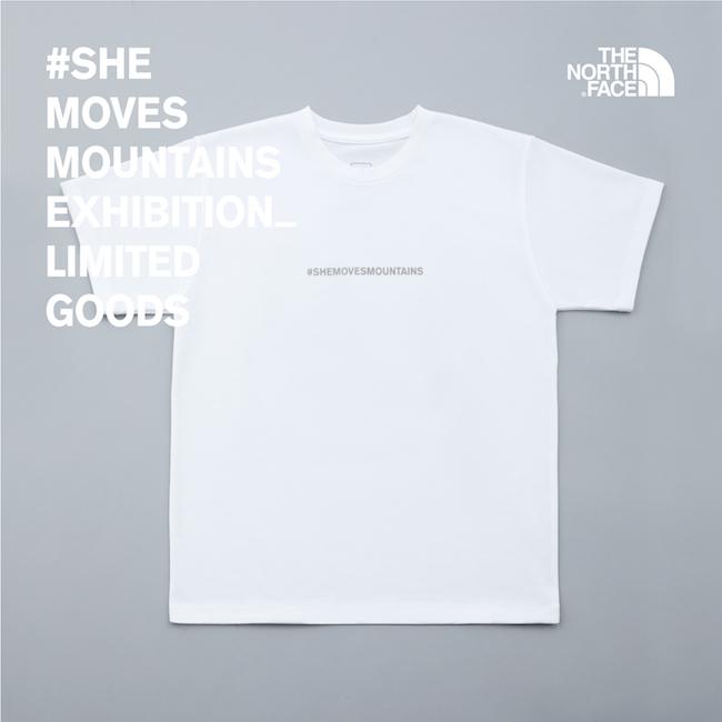 フロントには「#SHEMOVESMOUNTAINS」のプリントが。 Tシャツ ¥4,800