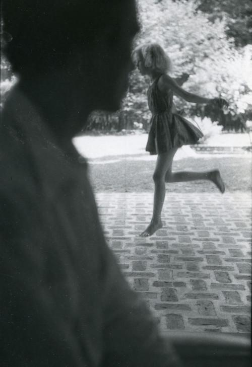 ソール・ライター 《レミィ》 1950年頃、ゼラチン・シルバー・プリント ⒸSaul Leiter Foundation