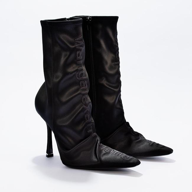 ブーツ(ヒール 10.5cm)¥139,000/Alexanderwang(アレキサンダーワン 03-6418-<br /> 5174)