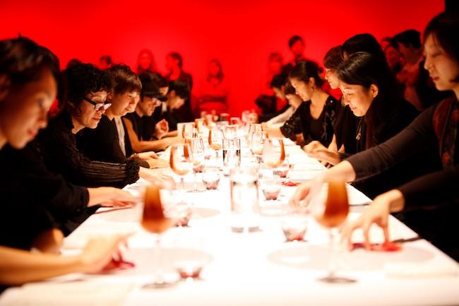 『ゲリラレストラン Lost Tongues』 photo: Tukasa Nakagawa