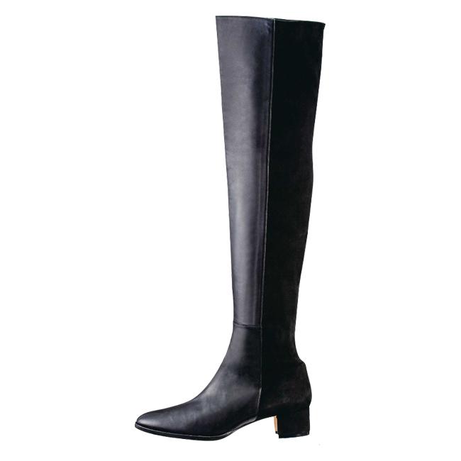 ブーツ ヒール3cm ¥238,000/Manolo Blahnik(ブルーベル・ジャパン)