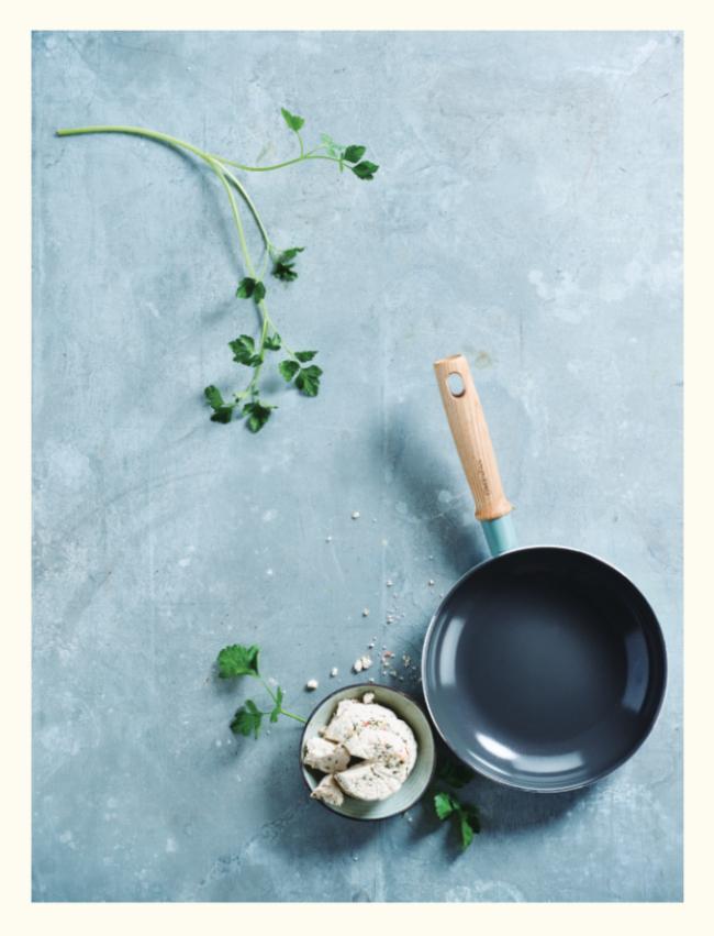 グリーンパン メイフラワーシリーズ フライパン 28cm ¥7,000(ザ・クックウェア・カンパニー・ジャパン株式会社 0120-031-808)