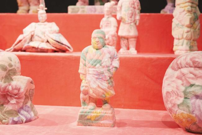 『自分らしさの物体練習Ⅱ』(2019年)伊勢丹新宿店メンズ館6F「ストア・アイデンティティ」での展示風景。(Photo: Keta Tamamura)