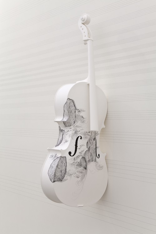『Cello 2』(2013) Courtesy of the artist and Tanya Bonakdar Gallery,New York/Los Angeles