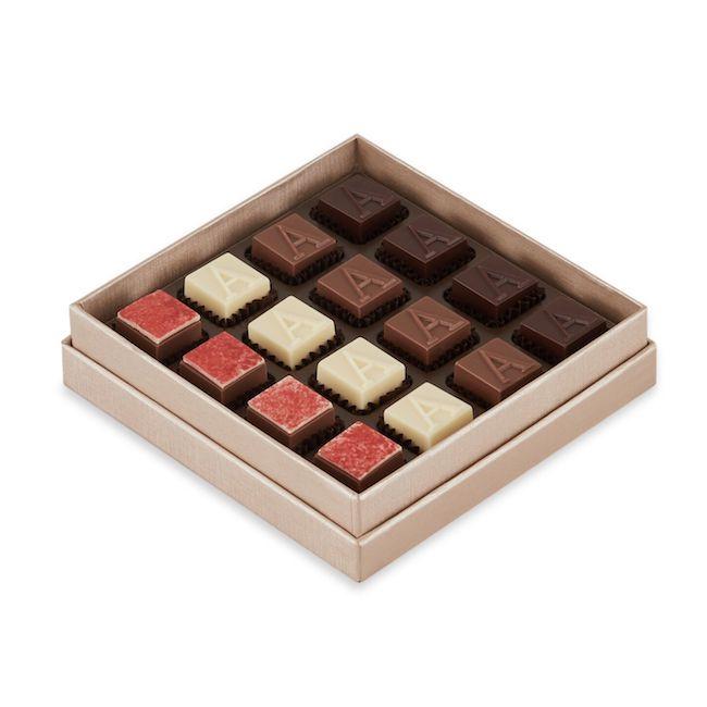 「バレンタイン限定プラリネBOX」16個入り ¥6,000