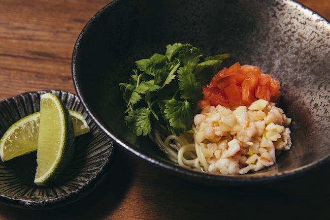 海老と帆立のベトナム風冷麺 パクチー添え