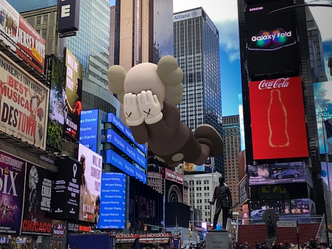 KAWS 『COMPANION (EXPANDED) in Times Square, New York』 (2020年) augmented reality. Courtesy: KAWS and Acute Art.