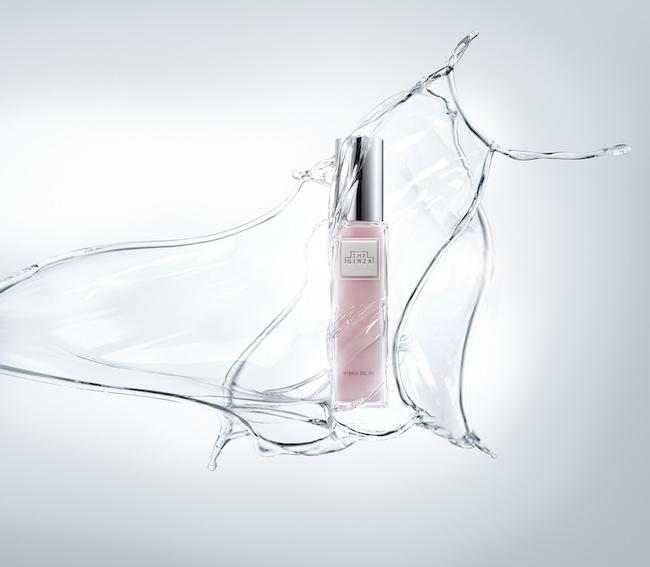 顔にもボディにも使用できる、マッサージとの相性が抜群のジェルオイル美容液。化粧水後すぐに使用し、素肌をマッサージすることで、肌のむくみやくすみが払拭され、後に使う美容液やクリームの浸透を高める効果も。セイヨウ菩提樹の香りに包まれながら、至福のスキンケアタイムを。ハイブリッドジェルオイル[100ml]¥25,000/The Ginza(ザ・ギンザ)