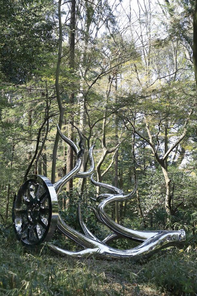 「天空海闊」の展示作品『Wheels of Fortune』 Photo: 木奥惠三 © Matsuyama Studio