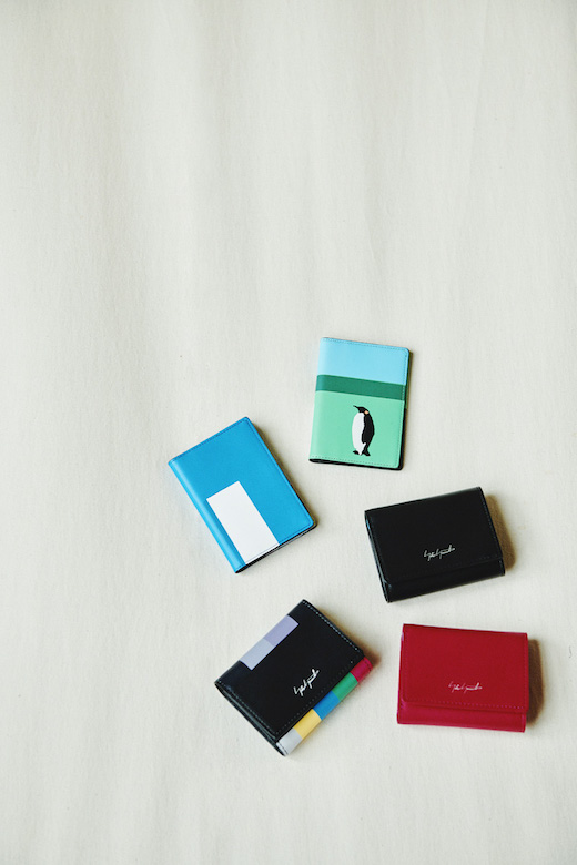「Compact」シリーズ 『Compact-The tape』、『Compact-Entrust you Black』、『Compact-Entrust you Fushia』、『Card Holder-Melancholia』、『Card Holder-Entrust you』