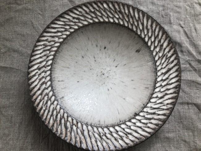 陶芸家 山本雅則さん作のリム皿 Sサイズ