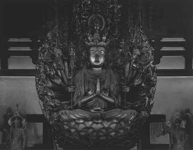 『仏の海(中尊)』(1995)  © Hiroshi Sugimoto / Courtesy of Gallery Koyanagi
