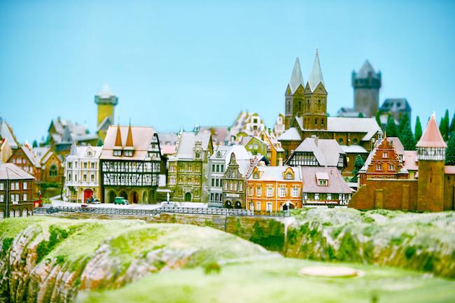 「世界の街エリア」より。 ©SMALL WORLDS
