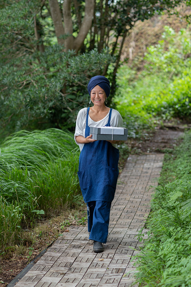 ビーガン料理をケータリングしてくれた原田直香さん。