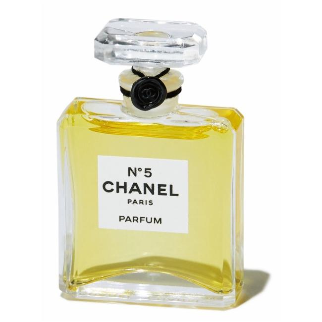 No5 香水 [7.5ml] ¥15,000/Chanel(シャネル カスタマーケア 0120-525-519)