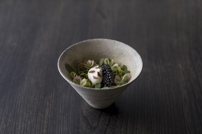 グリーンが爽やかな「枝豆、ピスタチオとキャビア」