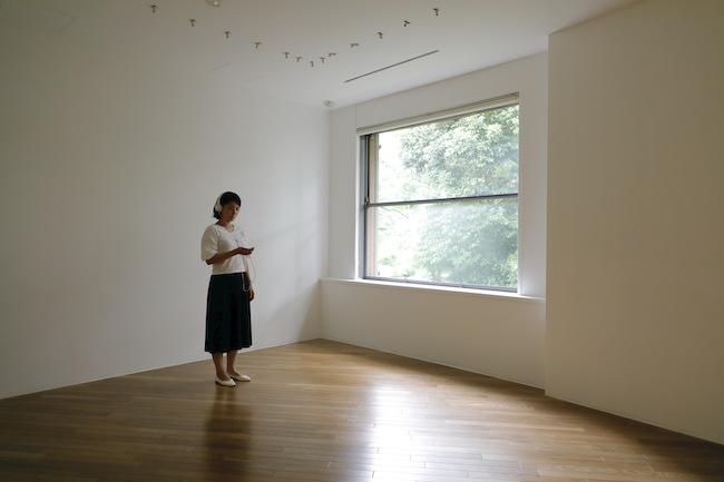 小泉明郎『抗夢#1 (彫刻のある部屋)』(2020年)
