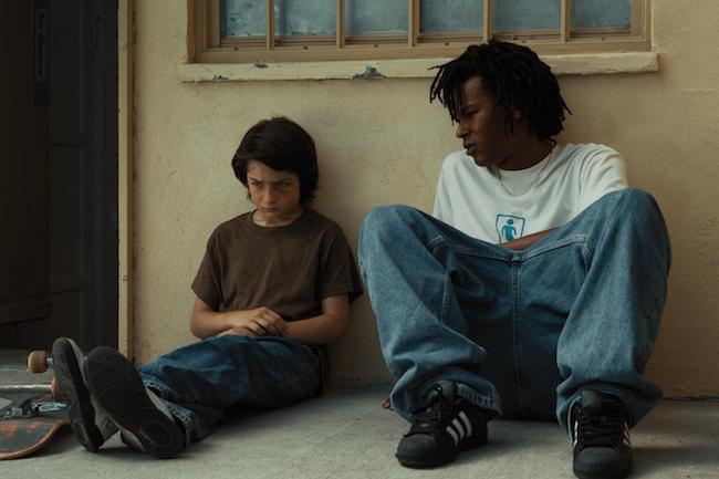 レイ役のナケル・スミス(写真右)は1994年生まれのプロスケートボーダー。本作で長編デビュー。