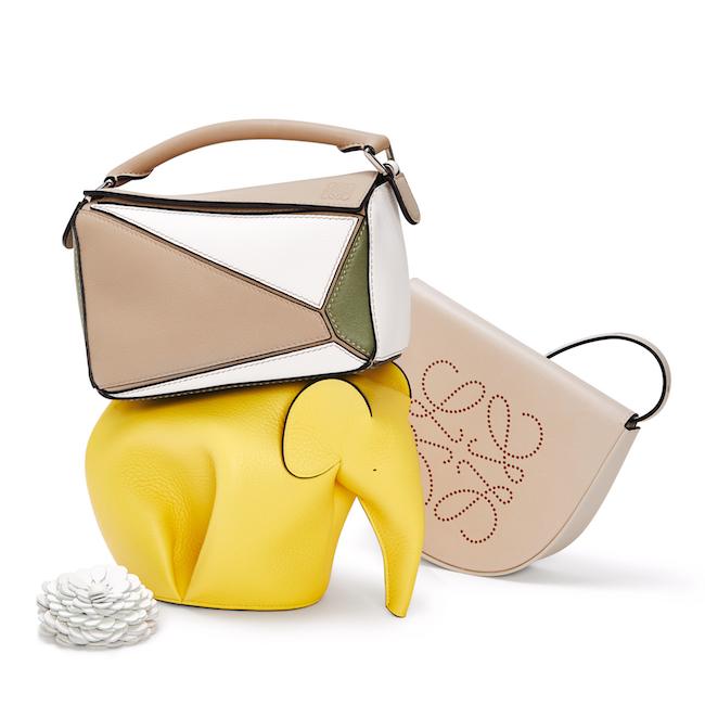 パズル スモール バッグ(W24×H16.5×D10.5cm) ¥305,000 エレファント ミニ バッグ(W21×H14×D13.5cm)¥164,000 ブランド ヒール バッグ (W12×H12×D2cm)¥112,000