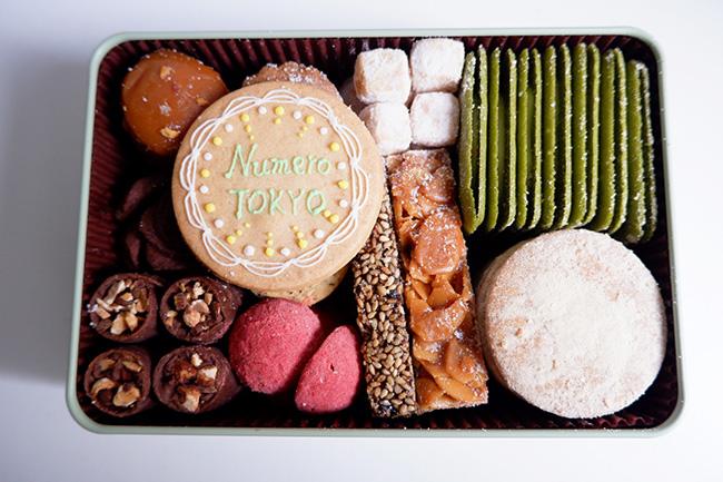 「プティフールセック缶」¥3,000 写真はメッセージクッキー付き ¥3,500
