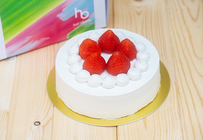 苺のビーガン・ショートケーキ ホール:¥4,300 ピース:¥680