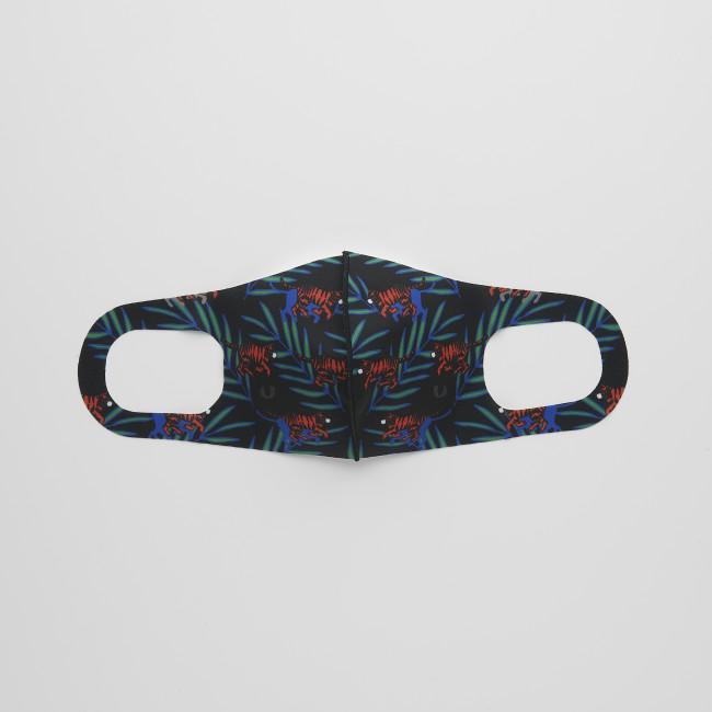 ユキヒーロープロレスの「誰かのヒーローになれるマスク」