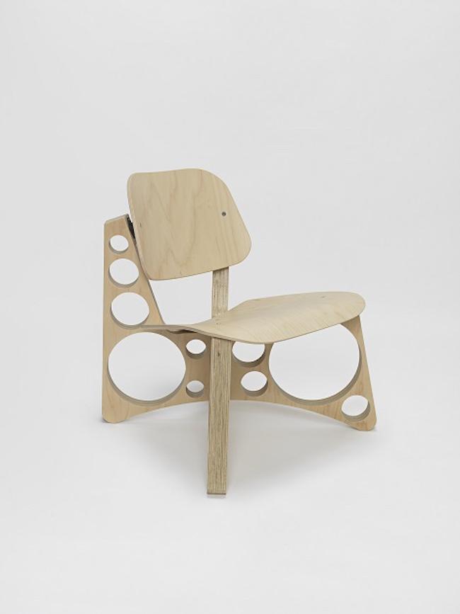 トム・サックス 『Shop Lounge Chair』 ©Tom Sachs