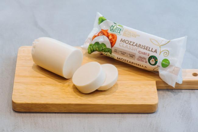 モッツァリセッラ ヴィーガンチーズ プレーン 200g ¥980