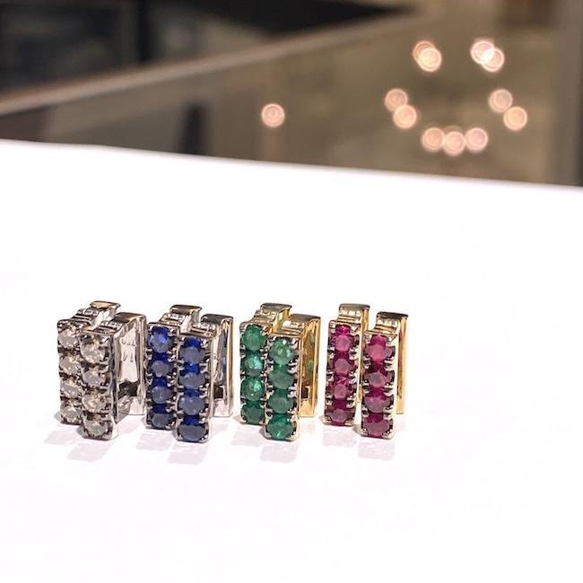 18K YG×ルビー¥185,000、18K YG×エメラルド¥185,000、18K WG×ブルーサファイヤ¥180,000、18KWG×シャンパンダイヤモンド¥250,000