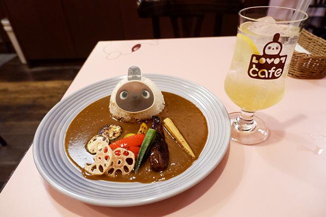 らぼっと焼き野菜カレー ¥2,400(税込)奇跡のレモネードソーダ