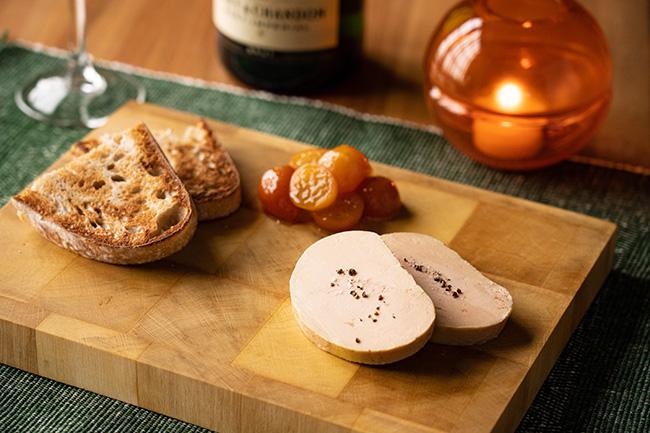 フォアグラのコンフィ 柑橘のコンディマン ©Yusuke Kagayama