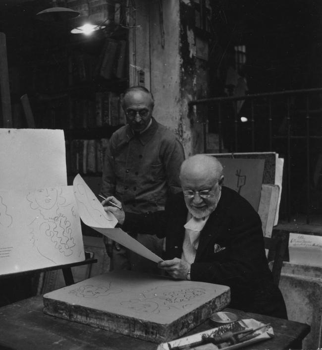 1948年頃 マティス、ムルロ工房にて Courtesy of Mourlot Editions