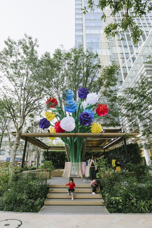 Yoshikazu Yamagata+Jiro Endo参考作品『Big bouquet tree』 2019、中央区日本橋室町、東京ビエンナーレ2020プレイベント
