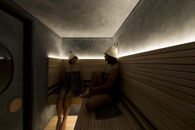 グループルームのサウナ室