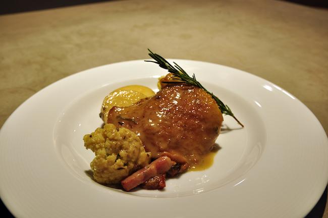 骨つき鶏もも肉の白ワイン煮