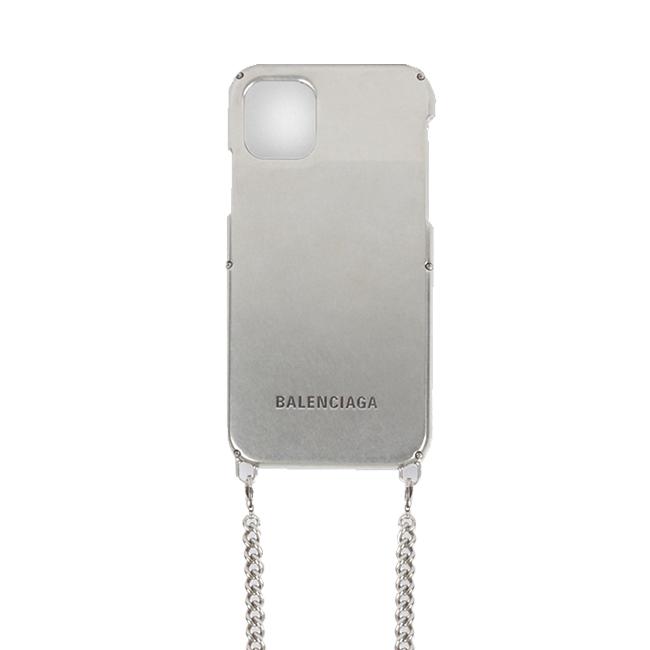 メタル フォンケース(W8.2×H16.2×D1.3cm)¥77,000/Balenciaga(バレンシアガ クライアントサービス 0120-992-136)