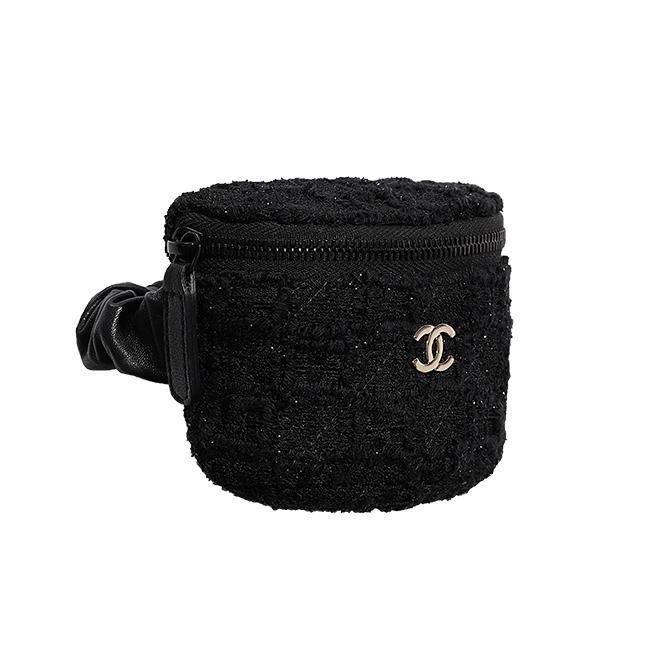 コインパース(W11×H10.3×D3.2cm)¥68,000/Chanel(シャネル カスタマーケア 0120-525-519)