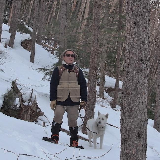 愛犬の宮(ぐう)♀15歳と。紀州犬は三重県で過ごした幼少期、狩猟に使われているのをよく見た思い出深い犬種。