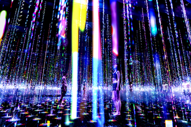 アート浴エリアの作品 『生命は結晶化した儚い光』(2021)