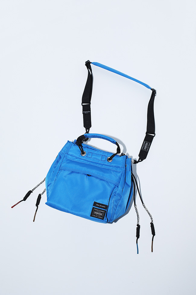 String bag ¥54,000(ベージュ/ブルー/ブラック)