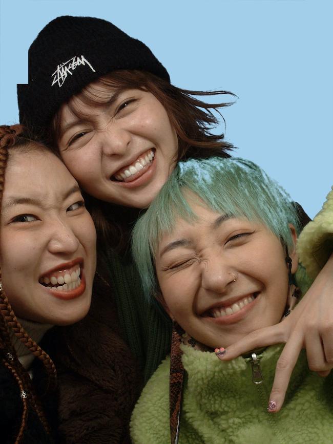 左から長井優希乃、三原勇希、あっこゴリラ。