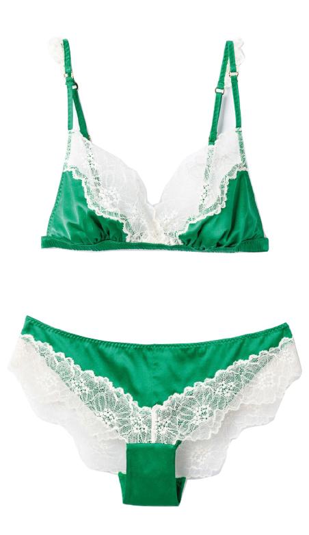 グリーン×ホワイトのレースブラ ¥18,000  ショーツ ¥11,300/ともにStella McCartney Lingerie(タニ ジャパン 03-6820-8240)