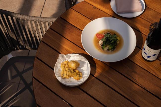 季節野菜と鮮魚のスープ 銀ダラのフリット¥2,780