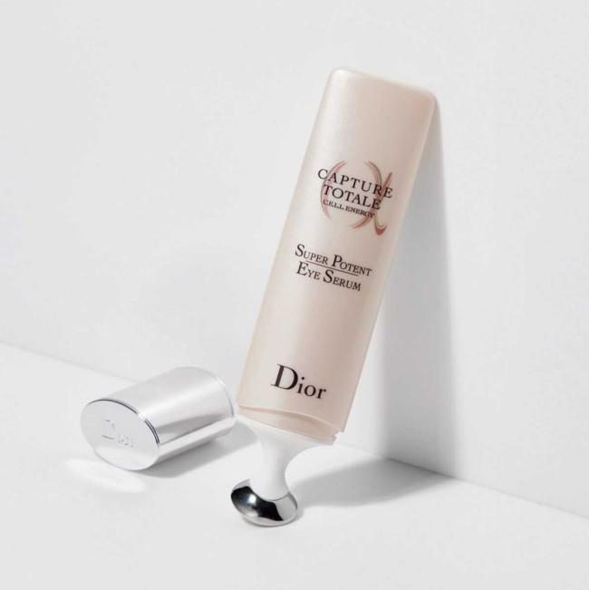 カプチュール トータル セル ENGY アイ セラム [20ml] ¥9,900/Dior(パルファン・クリスチャン・ディオール 03-3239-0618)