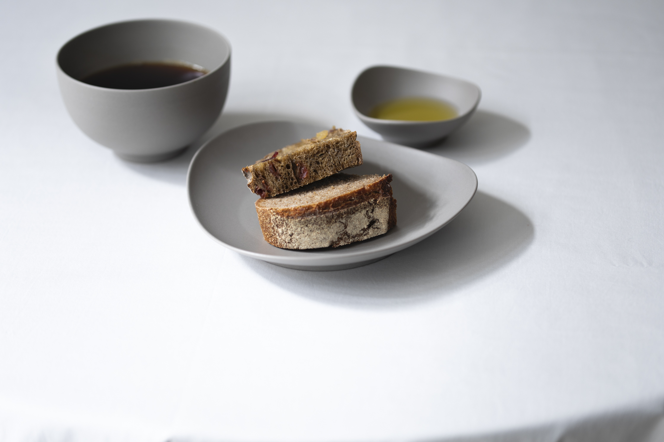 bowl ¥2,530、plate 195mm ¥2,420、almond dish ¥990