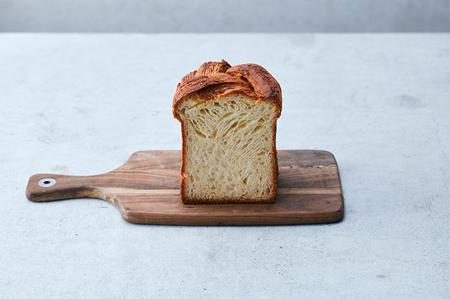 クロワッサン食パン ¥1,620 1日5点限定