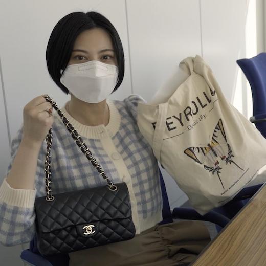 【what's in my bag】エディターたちのバッグの中身をYouTubeで大公開!