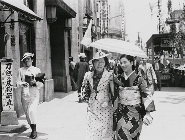 銀座、女性たち/1935年/東京都写真美術館 撮影:師岡宏次