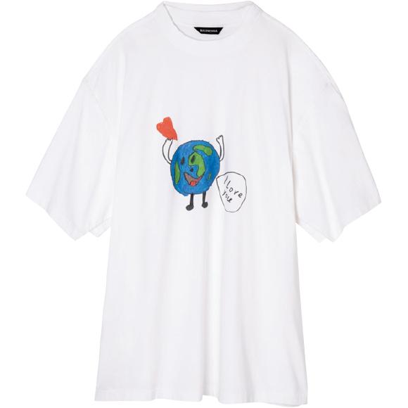 2枚レイヤードしたようなトロンプルイユディテールのTシャツ ¥77,000/Balenciaga(バレンシアガ クライアントサービス 0120-992-136)